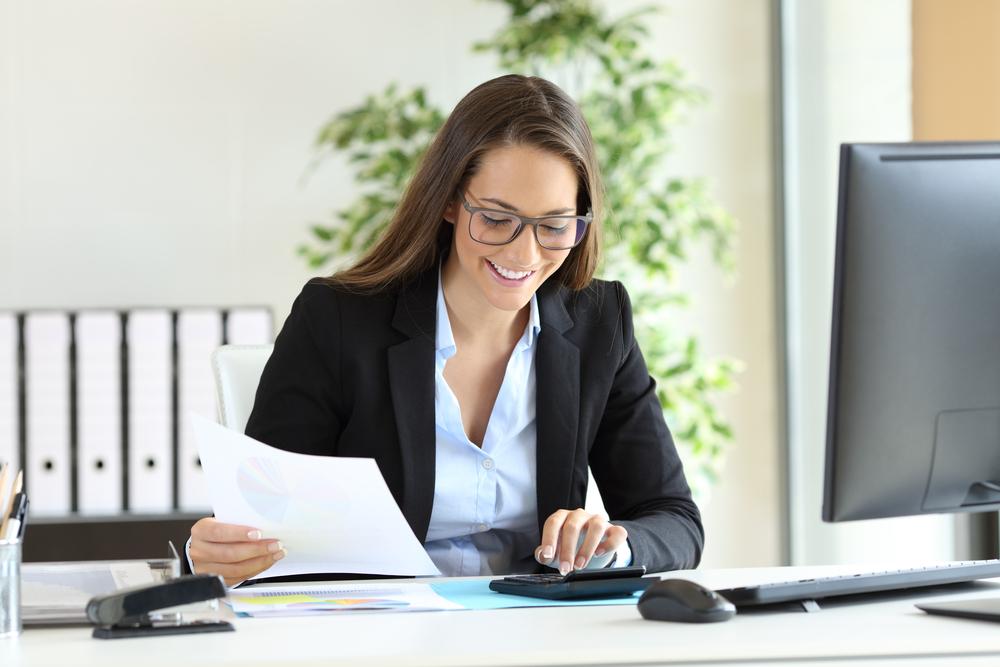 מי רשאי להוציא חשבונית עסקה - מדריך מקיף