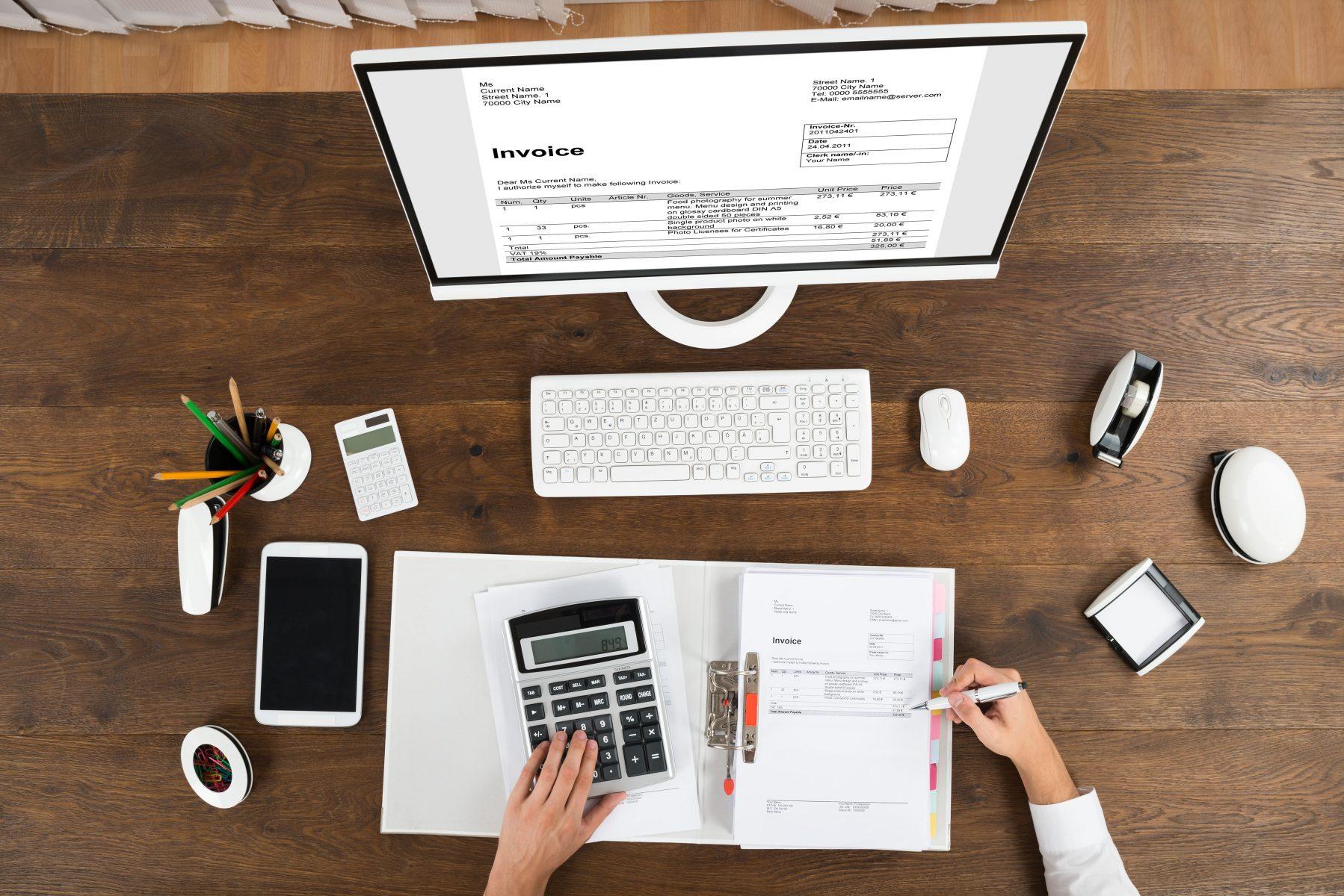 הכנת חשבוניות ודוחות לעסקים קטנים