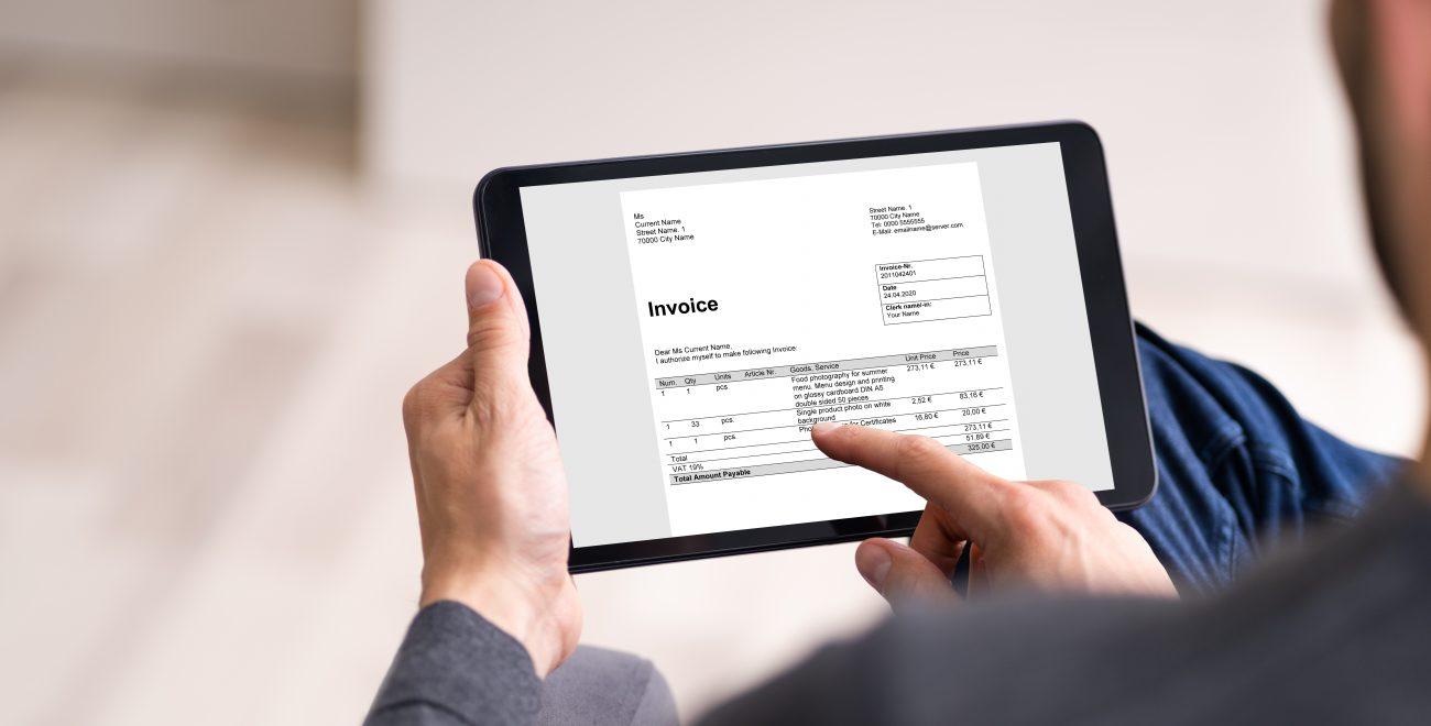 Digital,Invoice,Accounting,And,Audit,Finance,במה יכולה להועיל תוכנת הנהלת חשבונות באינטרנט?
